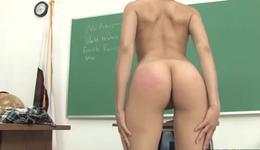 Thin kinky bitch gets her fucked with heavy ramrod