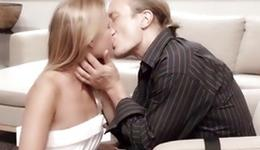 Blondie is sexually kissed by queer man